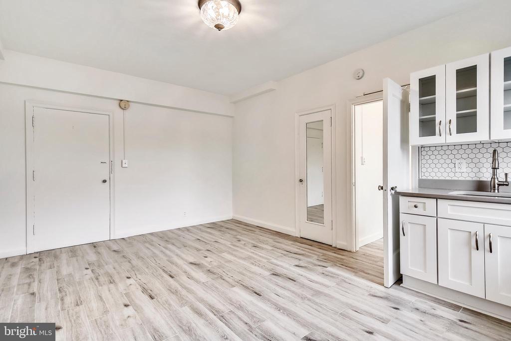 Living Area - 3601 CONNECTICUT AVE NW #700B, WASHINGTON