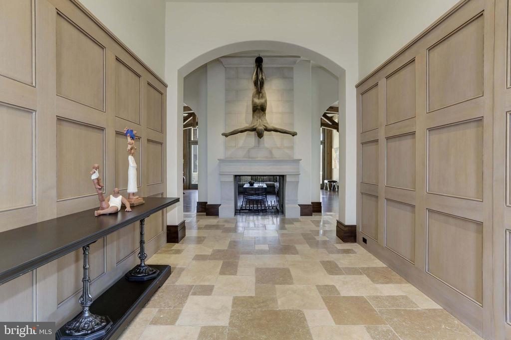 Foyer - 9005 CONGRESSIONAL CT, POTOMAC