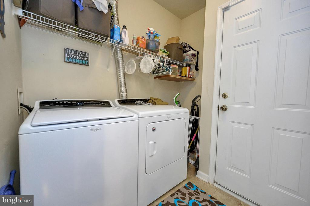 Laundry Room w/ Garage Access - 100 HOLMES ST, STAFFORD