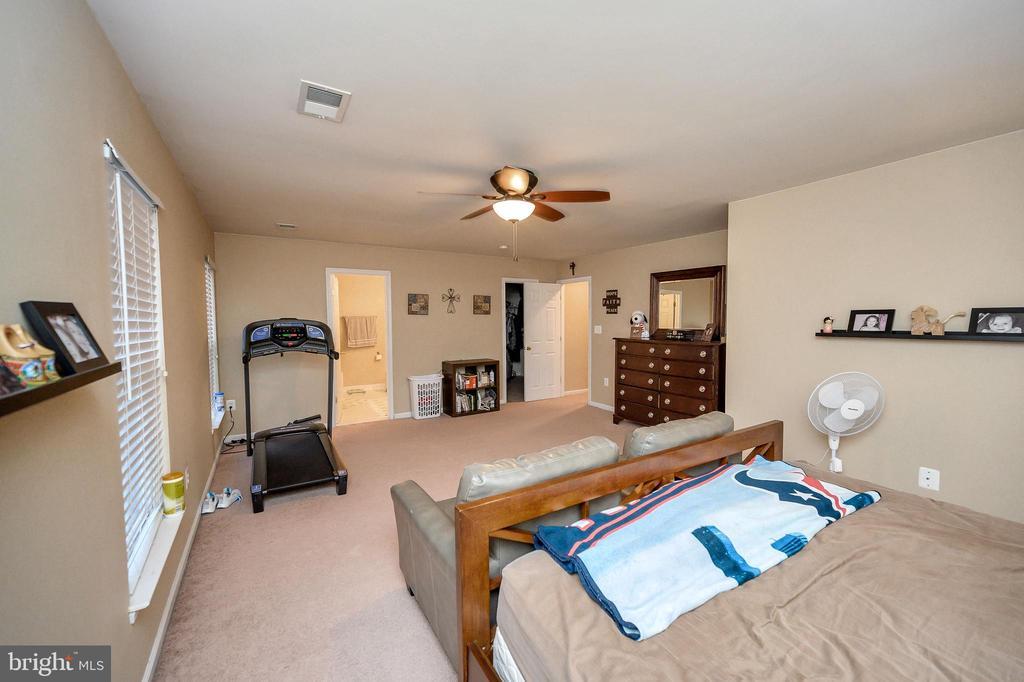 Master Bedroom - 100 HOLMES ST, STAFFORD