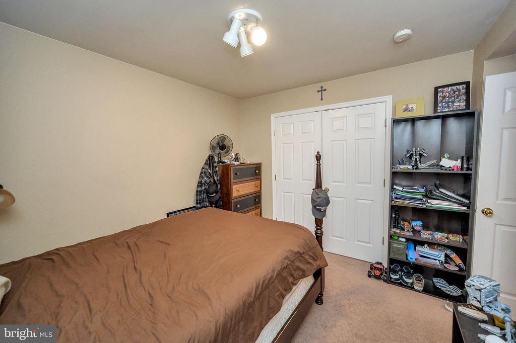 Bedroom 4 - 100 HOLMES ST, STAFFORD