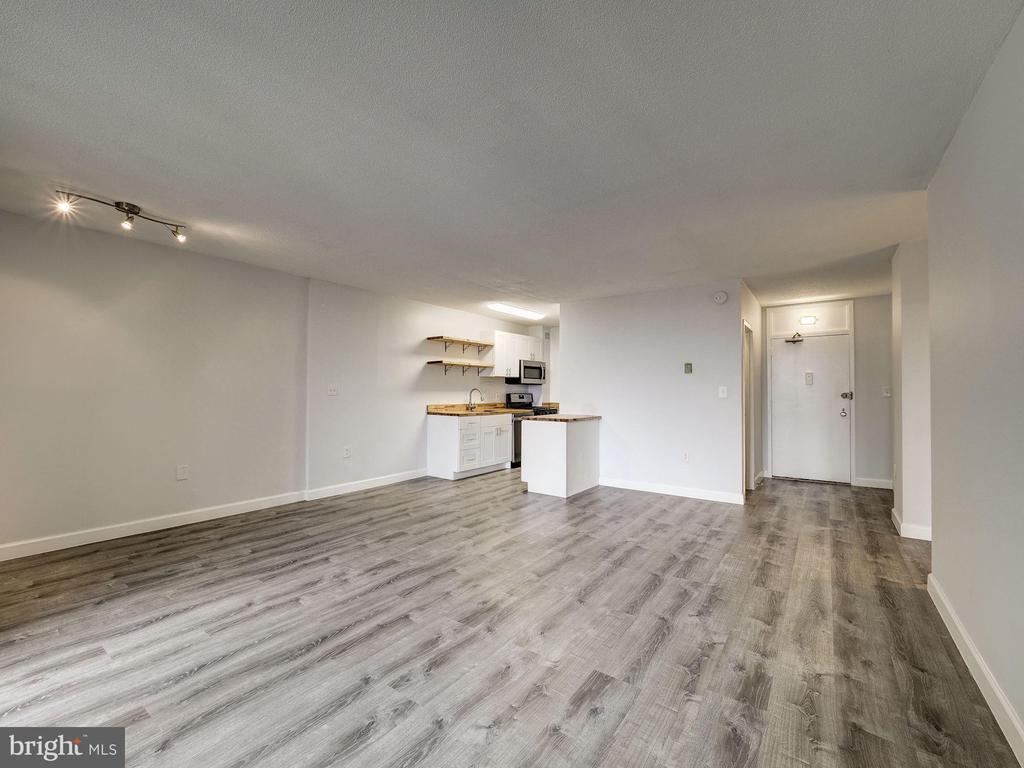 Living room / Dining Room | Open concept living - 4242 EAST WEST HWY #901, CHEVY CHASE