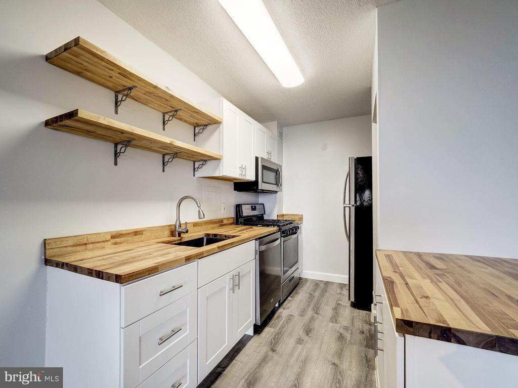 Kitchen Remodeled in 2018 - 4242 EAST WEST HWY #901, CHEVY CHASE