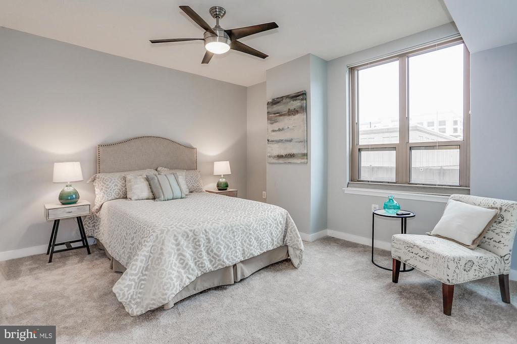 Owner's suite - 888 N QUINCY ST #1701, ARLINGTON