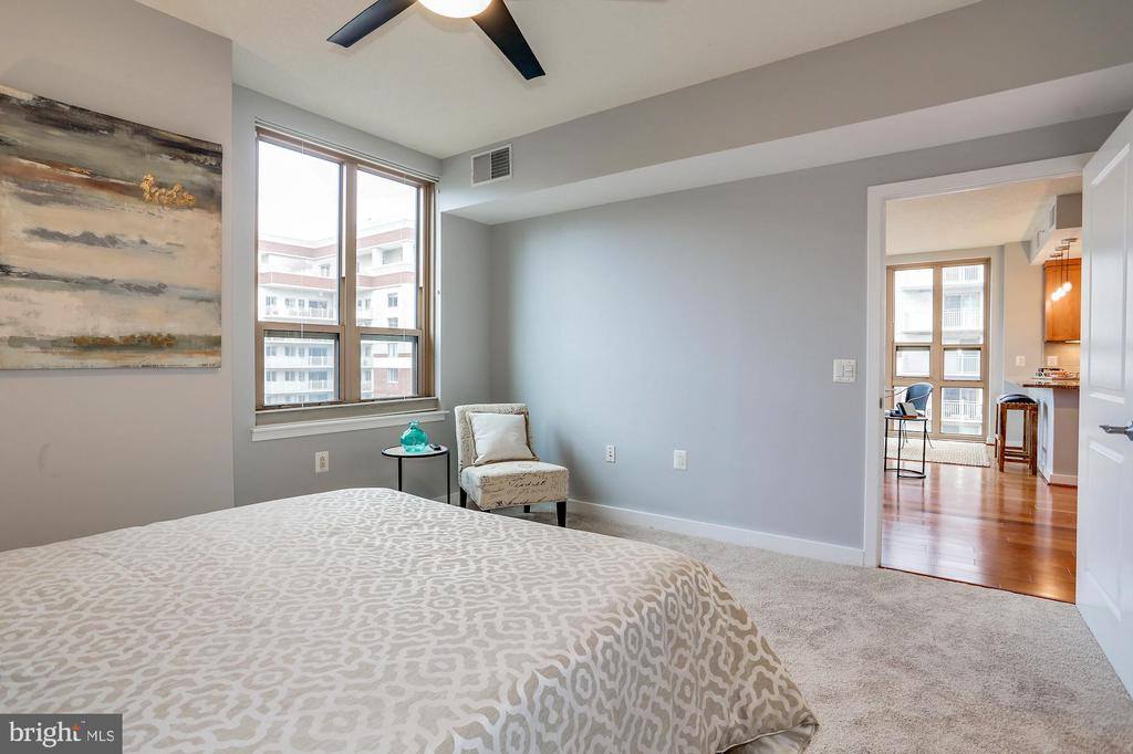 Owner's bedroom - 888 N QUINCY ST #1701, ARLINGTON