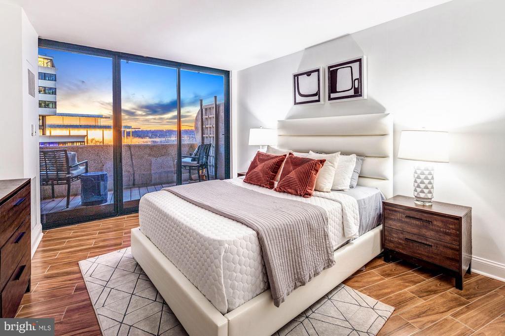 Master suite oasis - 700 NEW HAMPSHIRE AVE NW #821, WASHINGTON