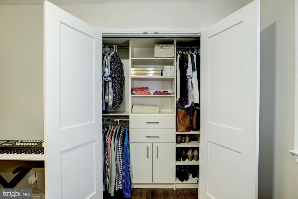 Custom Closet in BR #3 - 6320 24TH ST N, ARLINGTON