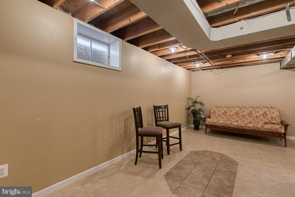 Partially finished basement - 3220 TITANIC DR, STAFFORD