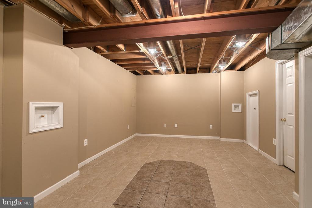 Beautiful tile flooring - 3220 TITANIC DR, STAFFORD
