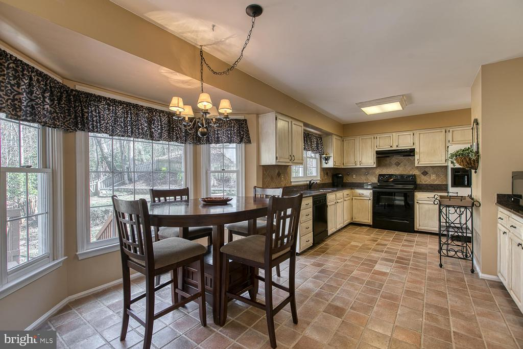 Dining area with nice view of back yard - 3220 TITANIC DR, STAFFORD
