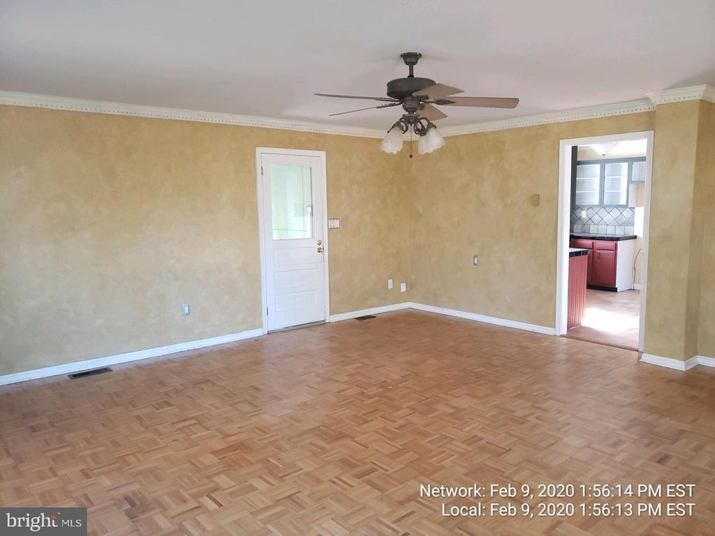 large family room - 85 BARNES BLVD, COLONIAL BEACH
