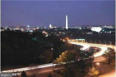 ENJOY THE NIGHT LIGHT OF WASHINGON, DC. - 1121 ARLINGTON BLVD #312, ARLINGTON