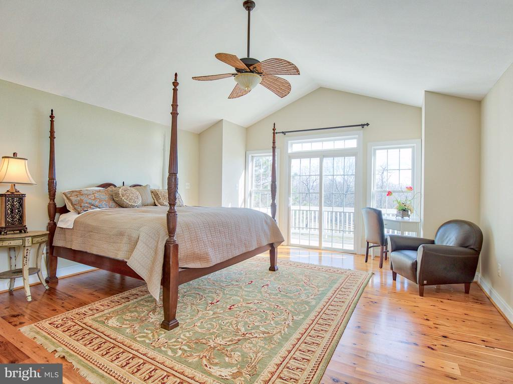 Master suite with private balcony. - 17244 RAVEN ROCKS RD, BLUEMONT