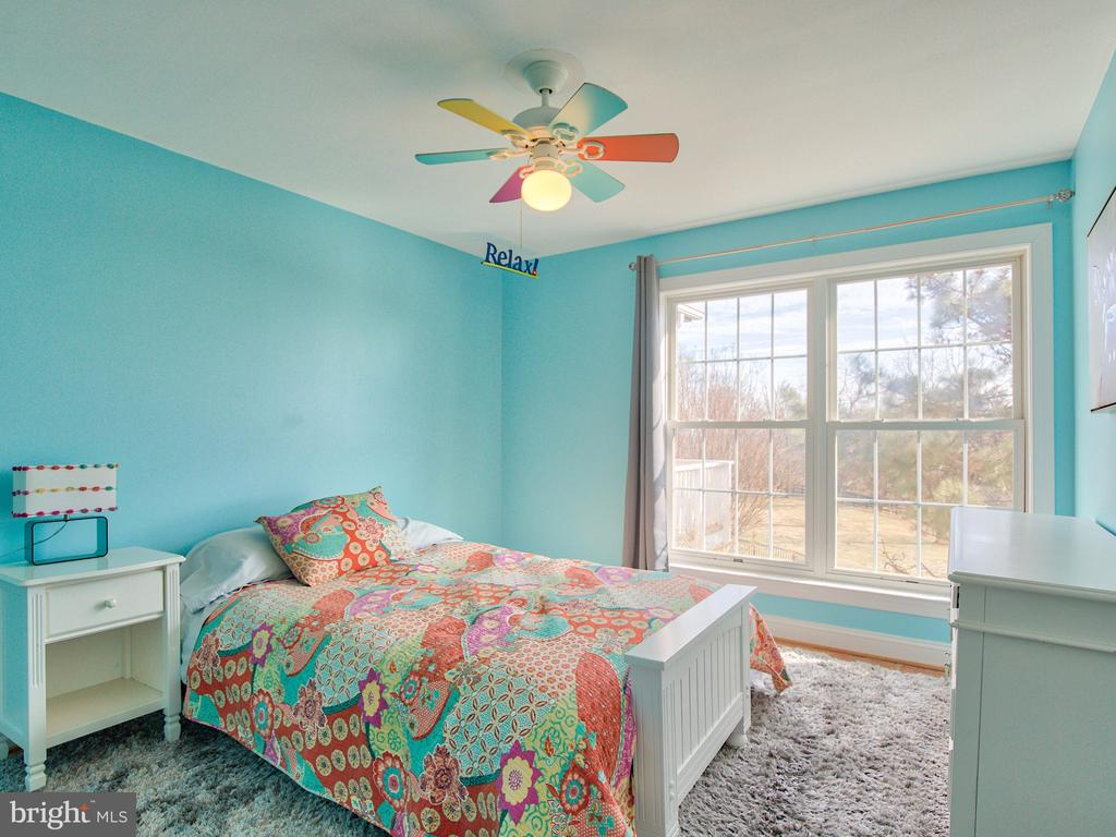 Spacious secondary bedrooms. - 17244 RAVEN ROCKS RD, BLUEMONT