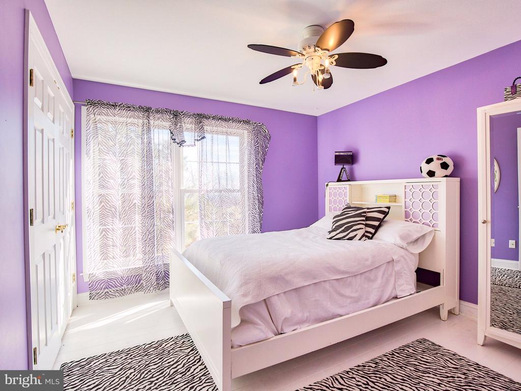 3rd bedroom on Main Level. - 17244 RAVEN ROCKS RD, BLUEMONT