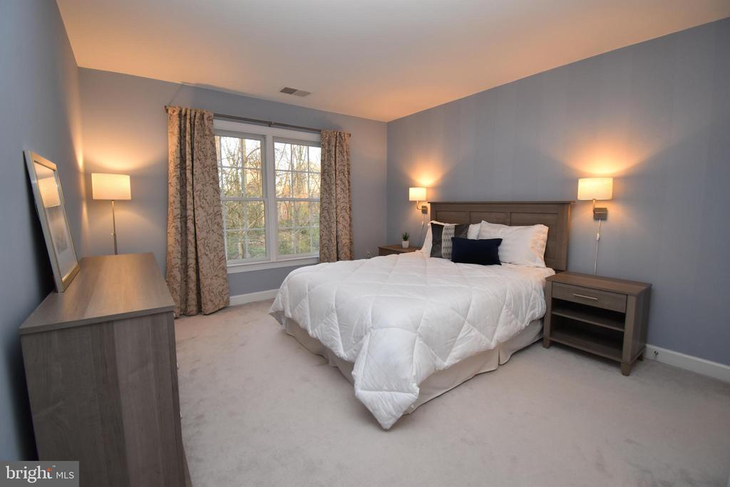 The third bedroom on the upper level - 1590 MONTMORENCY DR, VIENNA