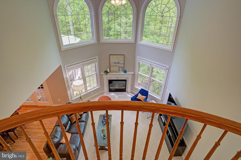 The balcony overlooks great room - 1590 MONTMORENCY DR, VIENNA