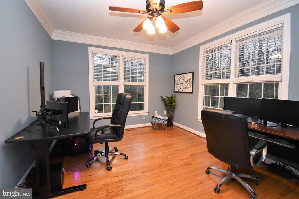 Office area on main level - 1590 MONTMORENCY DR, VIENNA