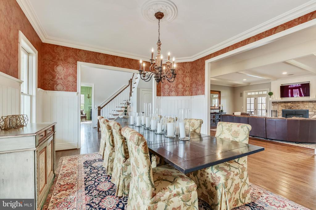 Alternate View of Dining Room - 15730 OLD WATERFORD RD, PAEONIAN SPRINGS