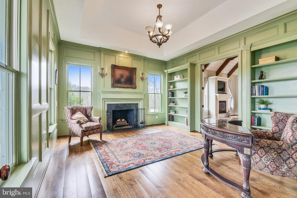 Stunning Library w/Wood Burning Fireplace - 15730 OLD WATERFORD RD, PAEONIAN SPRINGS