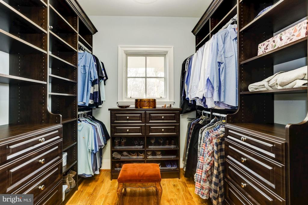 Master Closet #2 - 203 CAPE SAINT JOHN RD, ANNAPOLIS