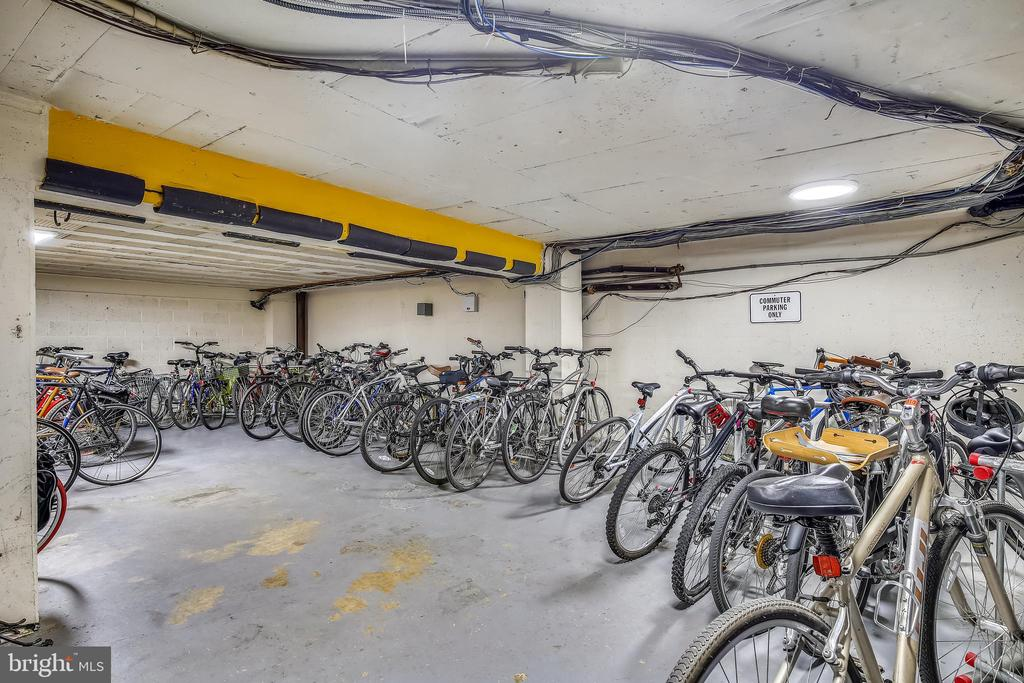 Place to store your bike - 1801 CLYDESDALE PL NW #224, WASHINGTON