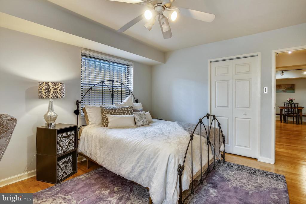 Bedroom with windows to let in light - 1801 CLYDESDALE PL NW #224, WASHINGTON