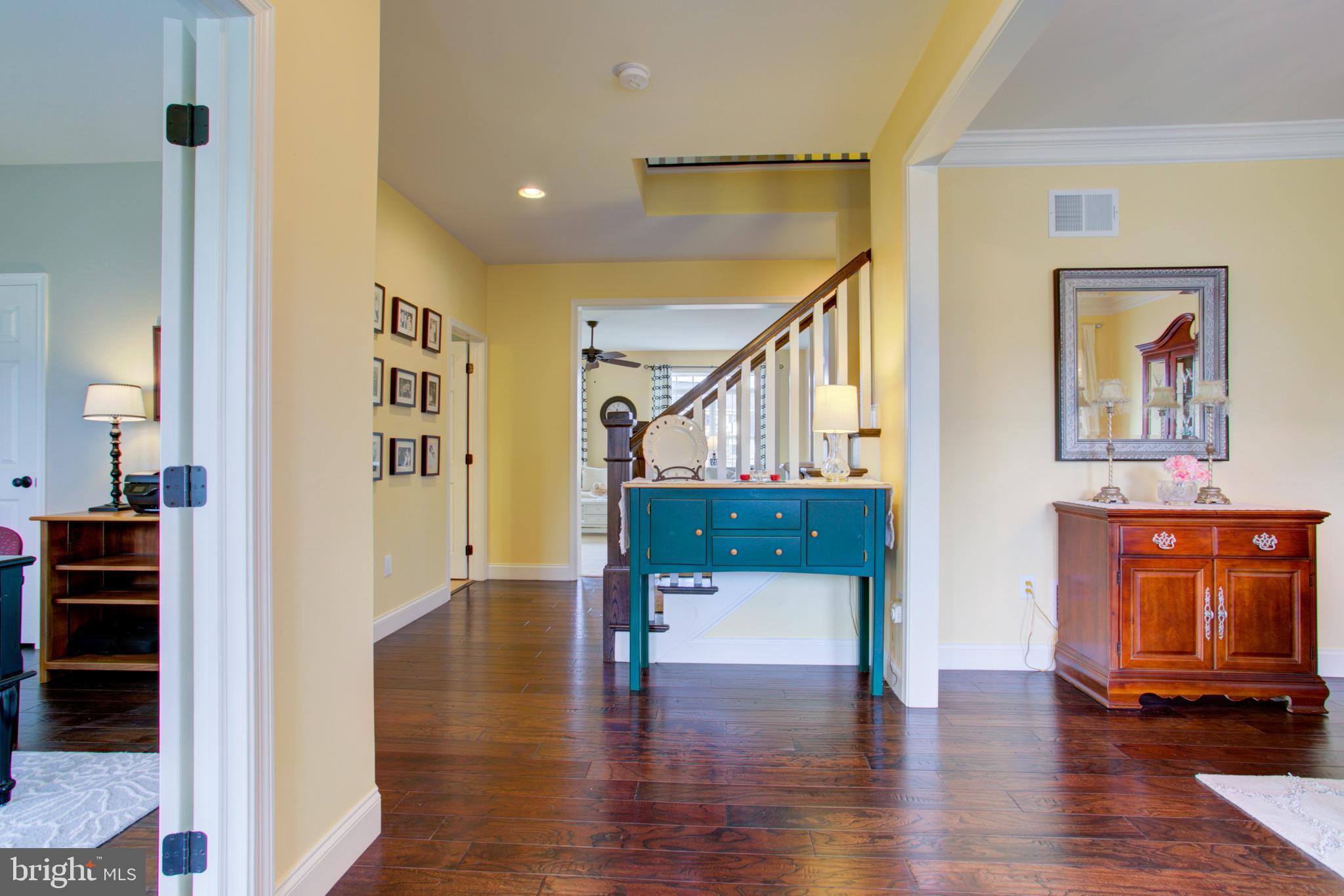 Foyer Entrance - Wide Plank Engineered HW Floors!