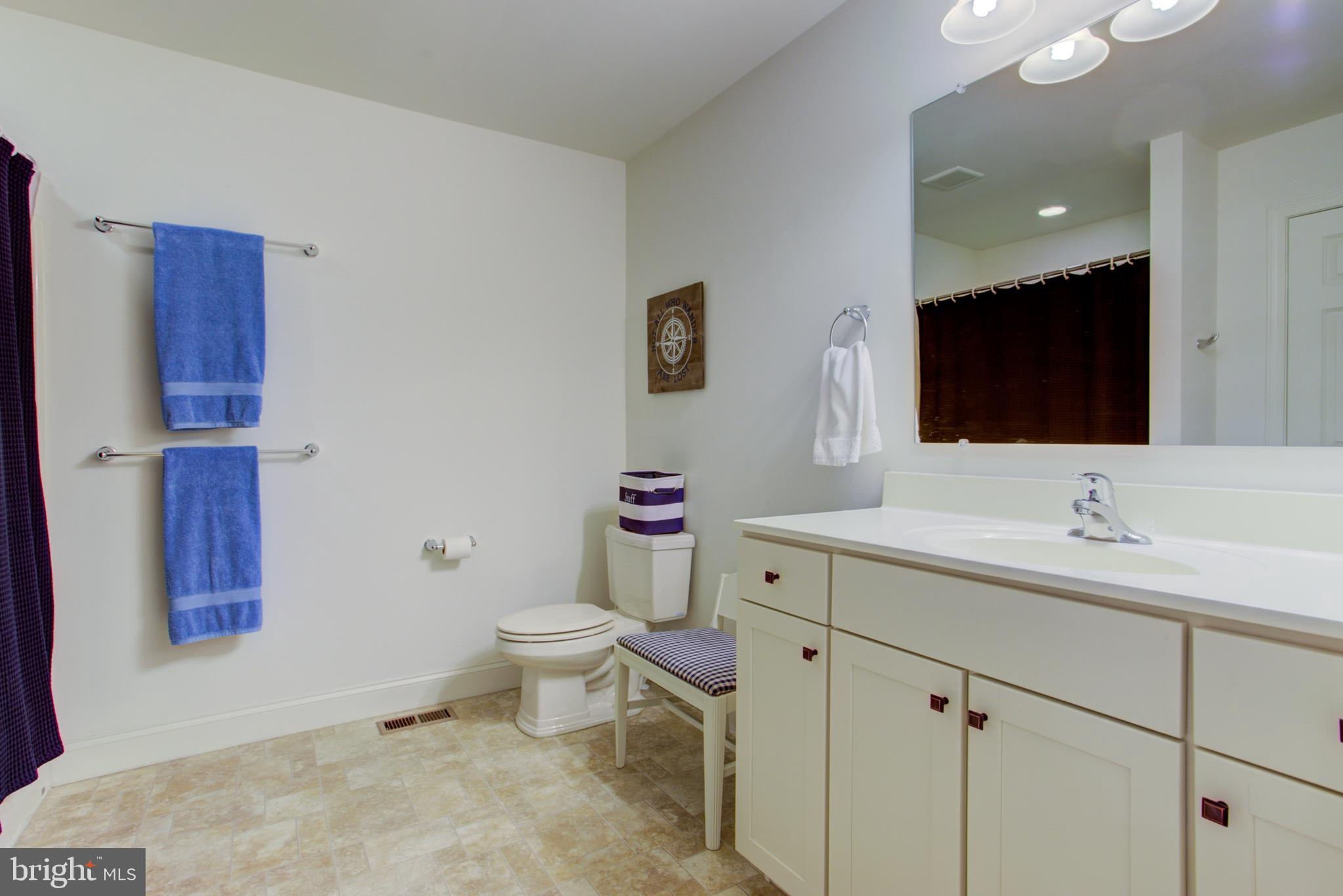 Full bath # 4 - Located in upstairs hallway