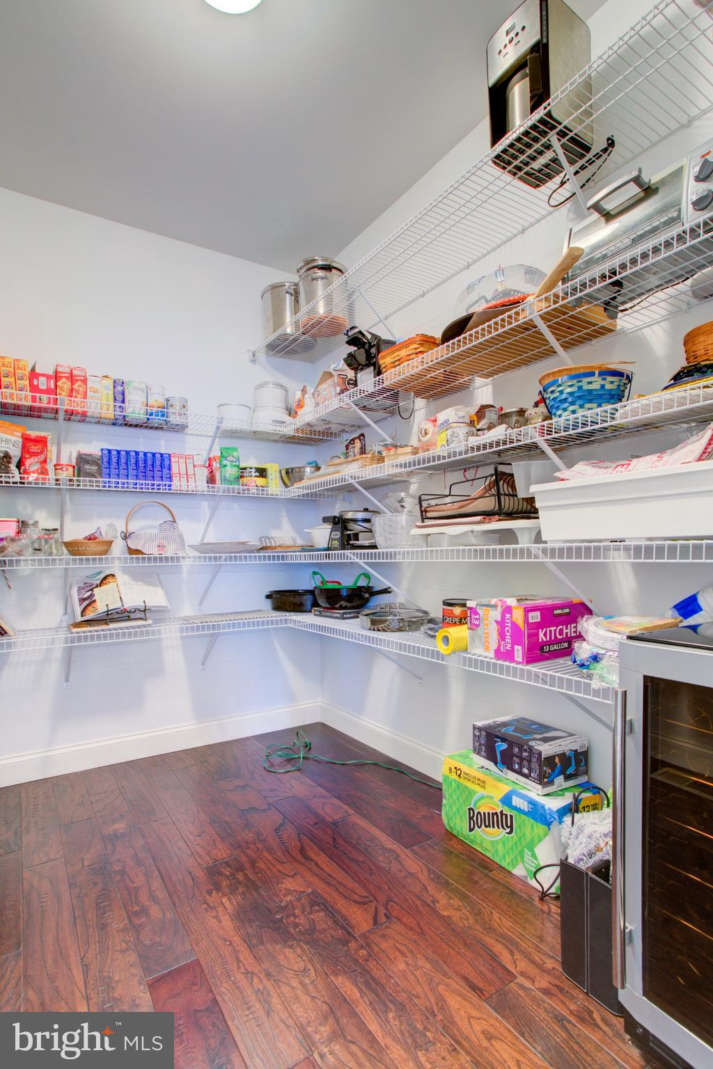 Huge Walk in Pantry-Shelving on all 3 sides!