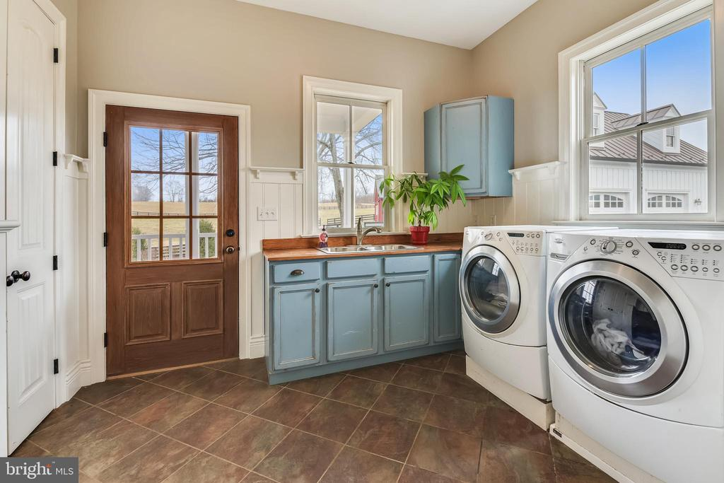 Main Level Laundry Room - 15730 OLD WATERFORD RD, PAEONIAN SPRINGS