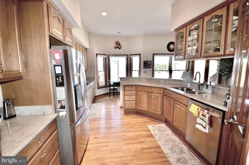 Kitchen with recess lighting, & SS Appliances. - 15805 BREAK WATER CT, MINERAL