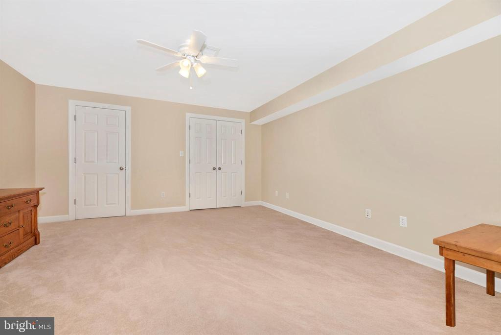 Workout Space or Craft Room! - 5221 MUIRFIELD DR, IJAMSVILLE
