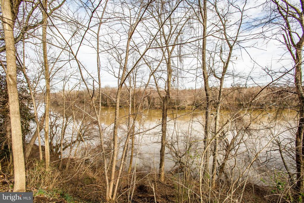 RAPPAHANNOCK RIVER LOOKING NORTHWEST - 11315 NORTH CLUB DR, FREDERICKSBURG
