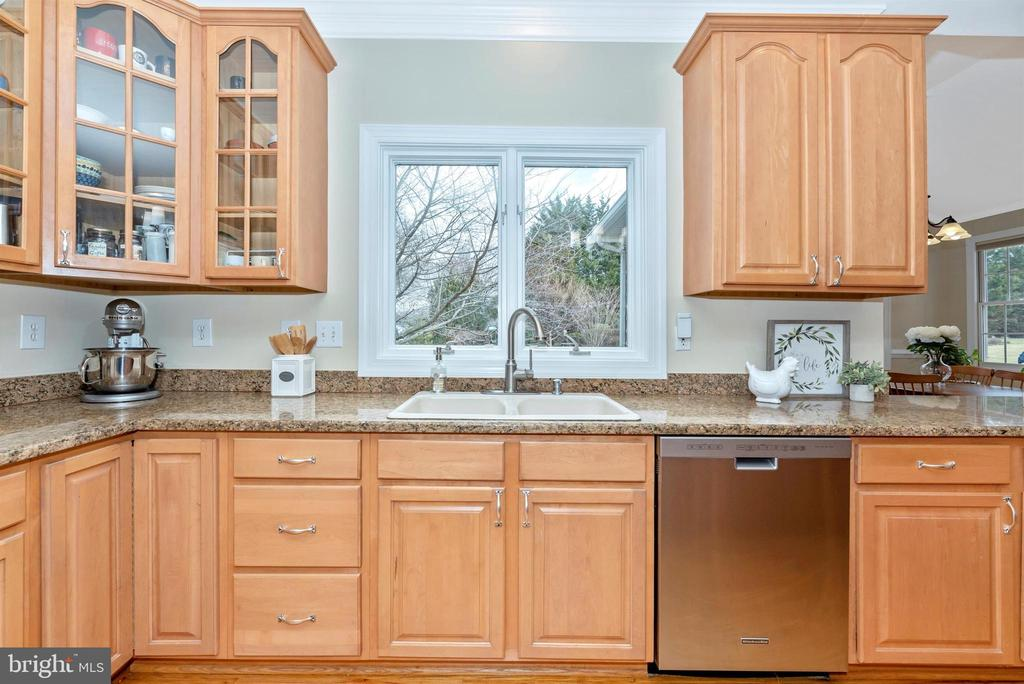 Glass Front  Cabinets are Solid Wood! - 5221 MUIRFIELD DR, IJAMSVILLE
