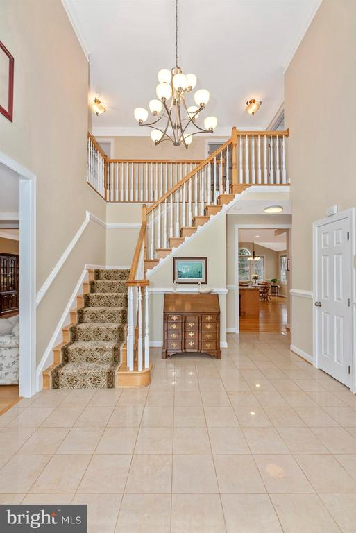 Grande Two-Story Foyer - 5221 MUIRFIELD DR, IJAMSVILLE