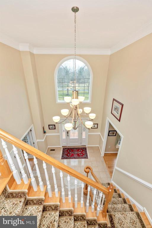 Transom Window fills the Second Story with Light - 5221 MUIRFIELD DR, IJAMSVILLE