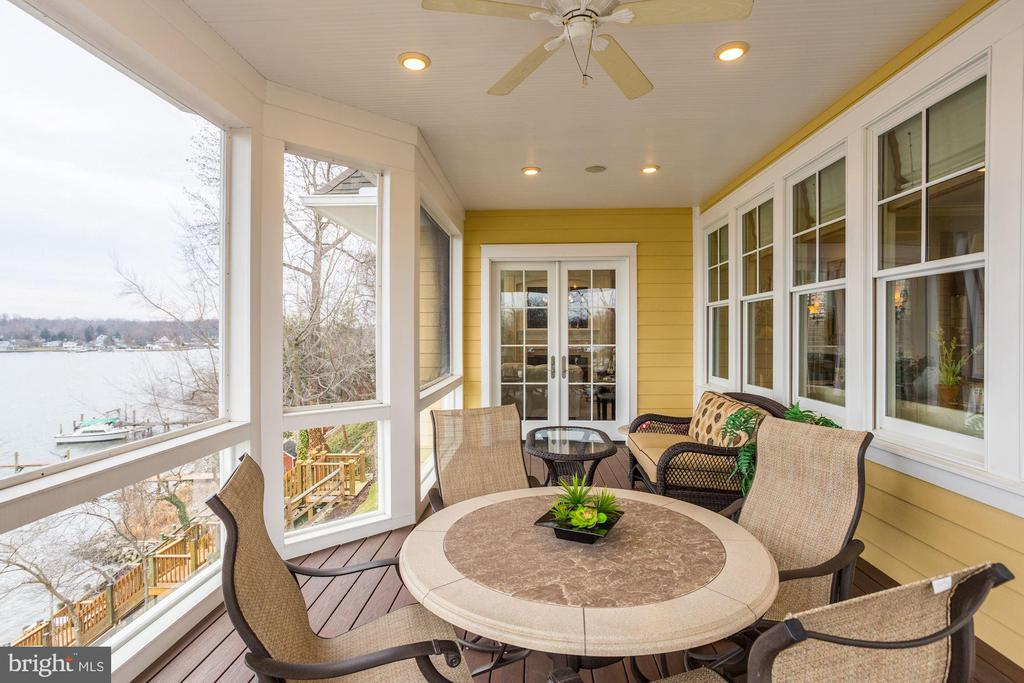 Screened in porch - 203 CAPE SAINT JOHN RD, ANNAPOLIS