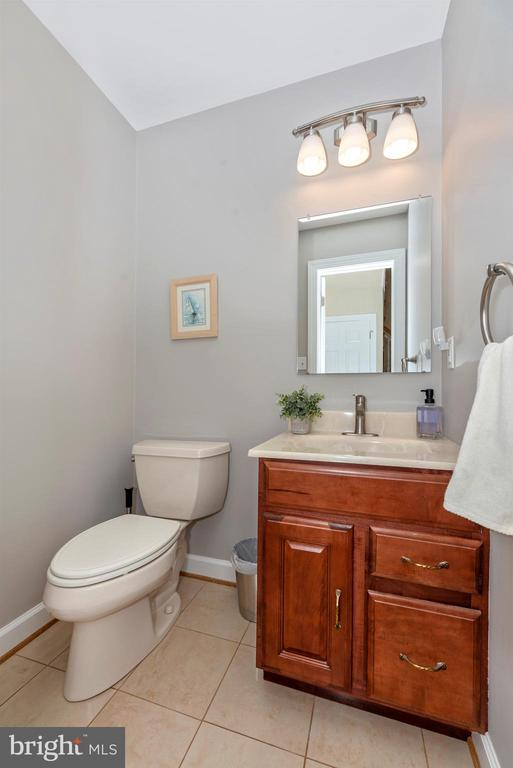 Remodeled First Floor Half Bath - 5221 MUIRFIELD DR, IJAMSVILLE