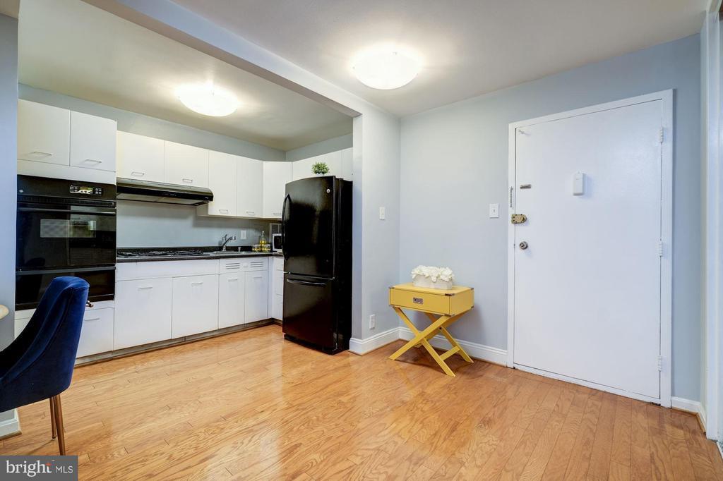 Open Kitchen - 2401 H ST NW #307, WASHINGTON