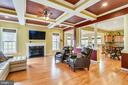 SPACIOUS FAMILY ROOM WITH GAS FP - 8 SNAPDRAGON DR, STAFFORD