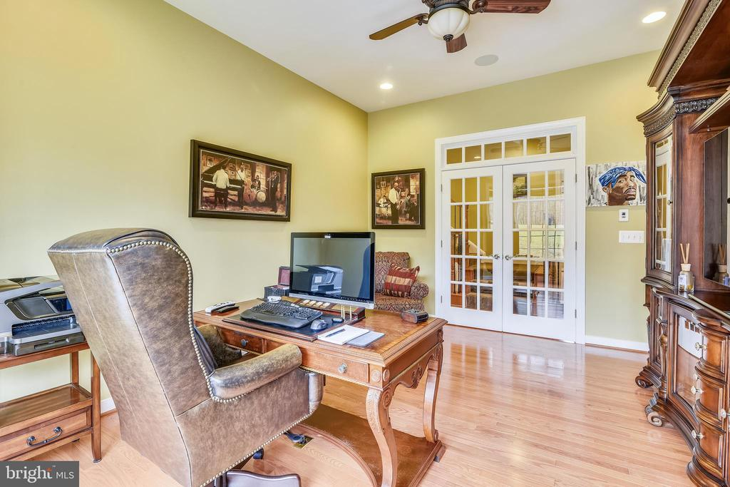 PRIVATE OFFICE WITH FRENCH DOORS - 8 SNAPDRAGON DR, STAFFORD