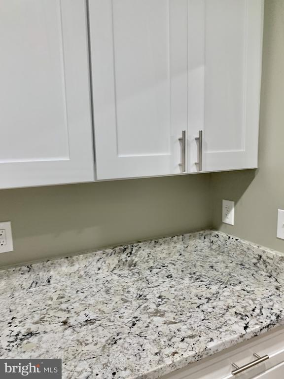kitchen counter / cabinet space - 7010 ORIOLE AVE, SPRINGFIELD