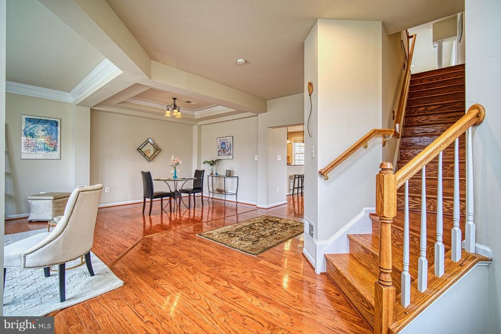 Hard woods on main level - 19348 GARDNER VIEW SQ, LEESBURG