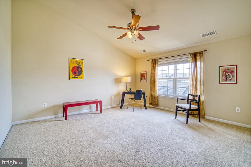 4 th large bedroom - 19348 GARDNER VIEW SQ, LEESBURG