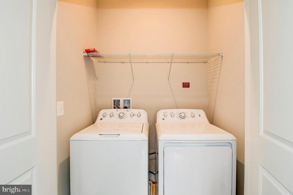 The laundry room on the bedroom level. - 6103 OLIVET DR, ALEXANDRIA