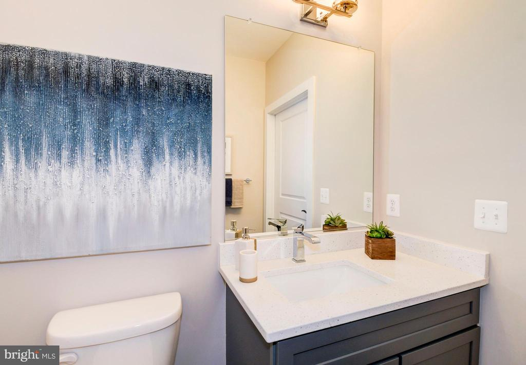 The powder room on the first level. - 6103 OLIVET DR, ALEXANDRIA