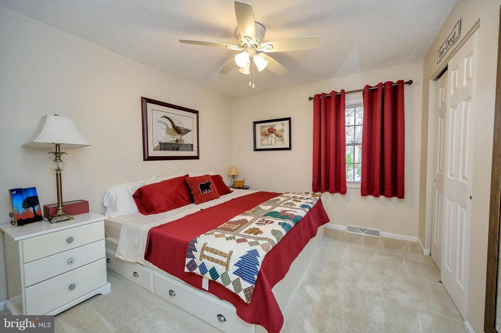 Bedroom #2 - 111 FAIRWAY DR, LOCUST GROVE