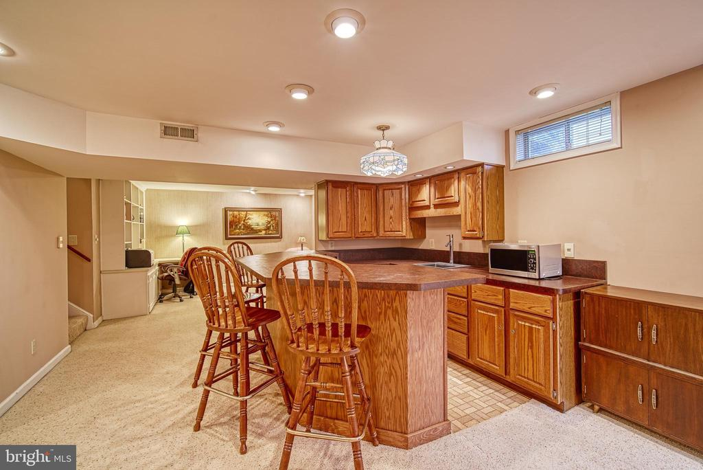Finished basement - 12204 KNIGHTSBRIDGE DR, WOODBRIDGE