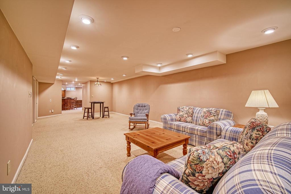 Media room or game room - 12204 KNIGHTSBRIDGE DR, WOODBRIDGE